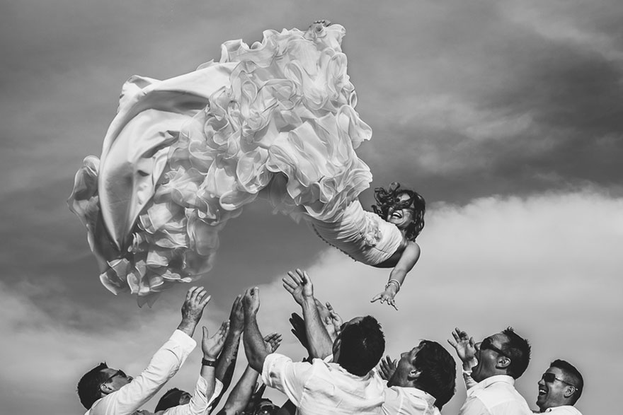 25 Of The Best Award Winning Wedding Photos Taken In 2014 Bored Panda