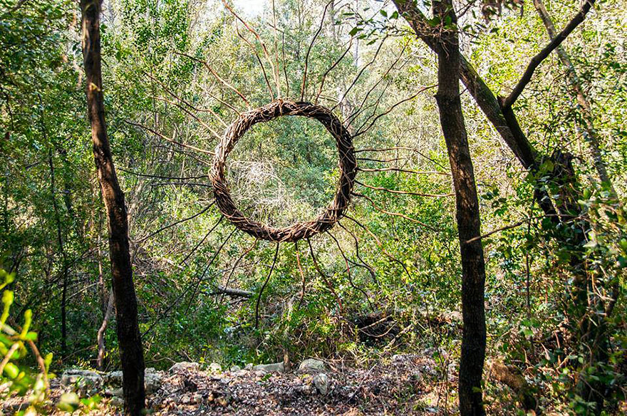 Artist spent one year in the woods creating surreal for Artiste nature