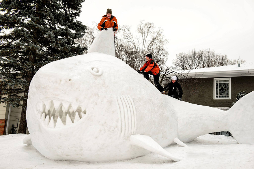 giant-snow-sculptures-bartz-brothers-3