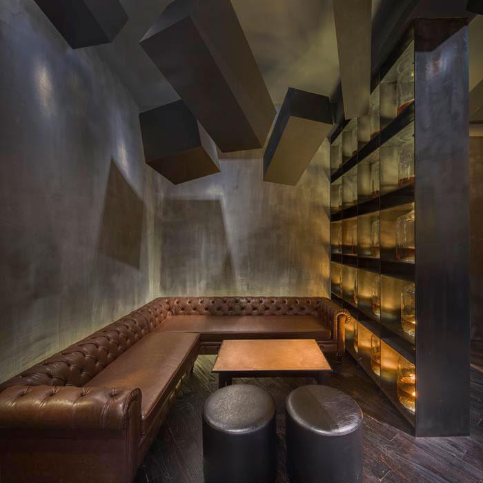 hidden-bar-behind-coke-vending-machine-flask-shanghai-4