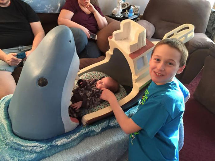 9a1f31636 DIY: Uncle Makes Jaws-Themed Crib For His 2-Month-Old Nephew