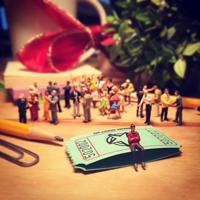 miniature-world-office-1