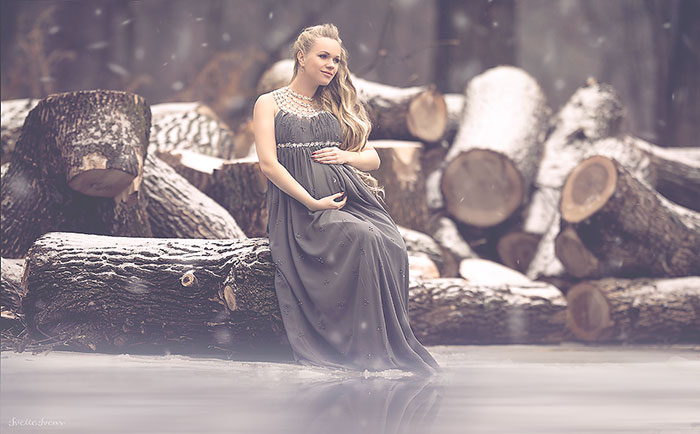 Photographer Takes Her Pregnant Models Outdoors In Any Kind Of Weather