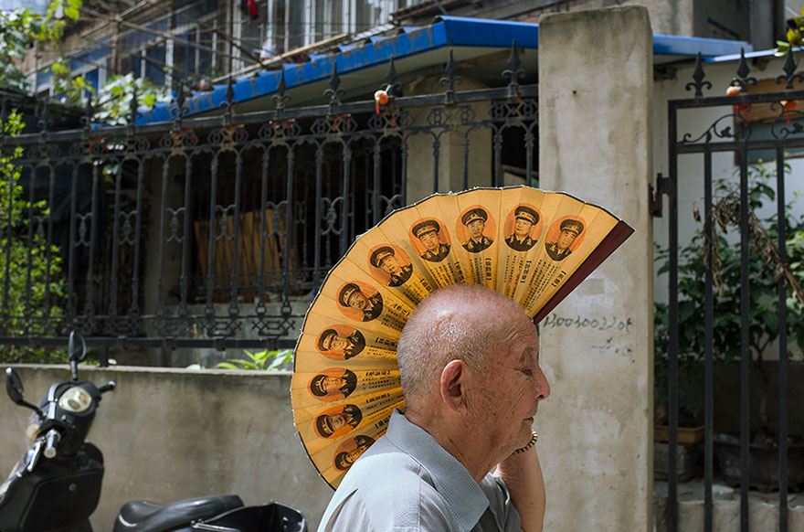 self-taught-perfectly-timed-street-photography-china-tao-liu-24