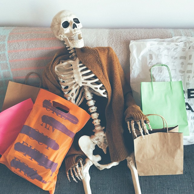 skeleton-daily-life-photography-10