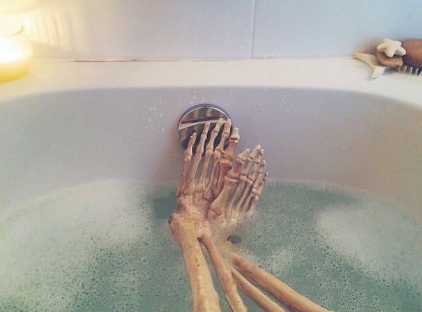 skeleton-daily-life-photography-9