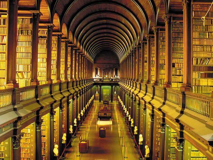 Trinity College Library – Dublin – Ireland