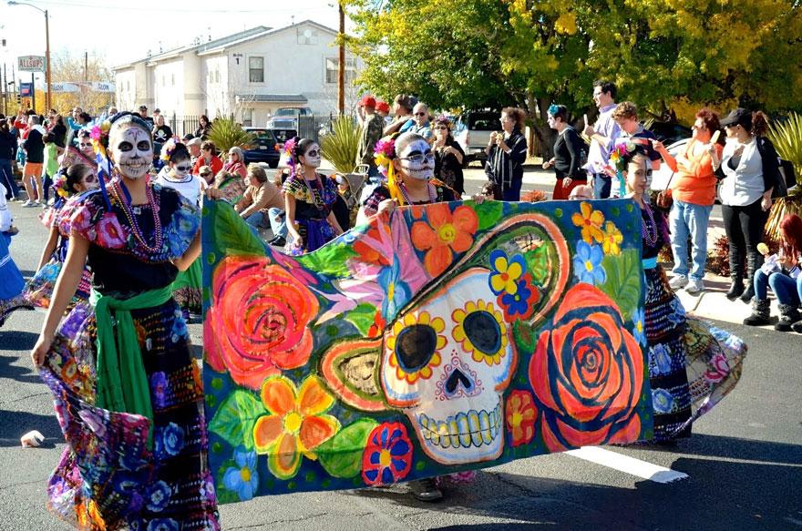 Día De Los Muertos Parade (Mexico)
