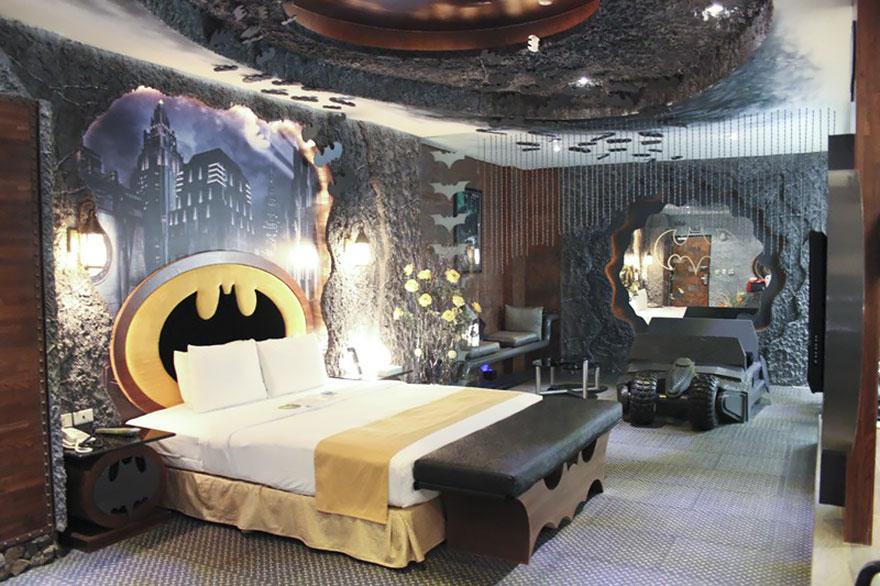 http://static.boredpanda.com/blog/wp-content/uploads/2015/01/unusual-themed-hotels-12-1__880.jpg