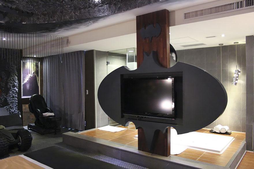 http://static.boredpanda.com/blog/wp-content/uploads/2015/01/unusual-themed-hotels-12-3.jpg