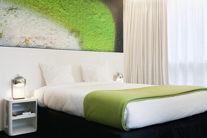 http://static.boredpanda.com/blog/wp-content/uploads/2015/01/unusual-themed-hotels-8-3.jpeg