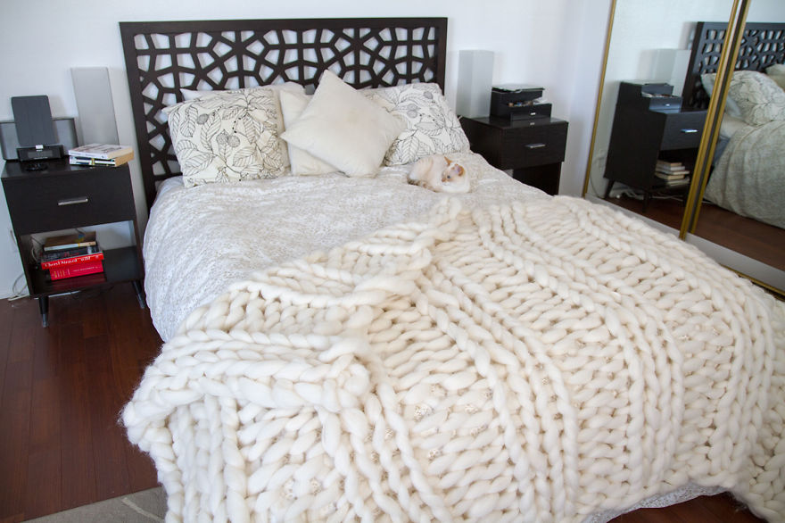 Large Knitting Needles And Wool Uk : No i m not thumbelina just knit with giant needles and