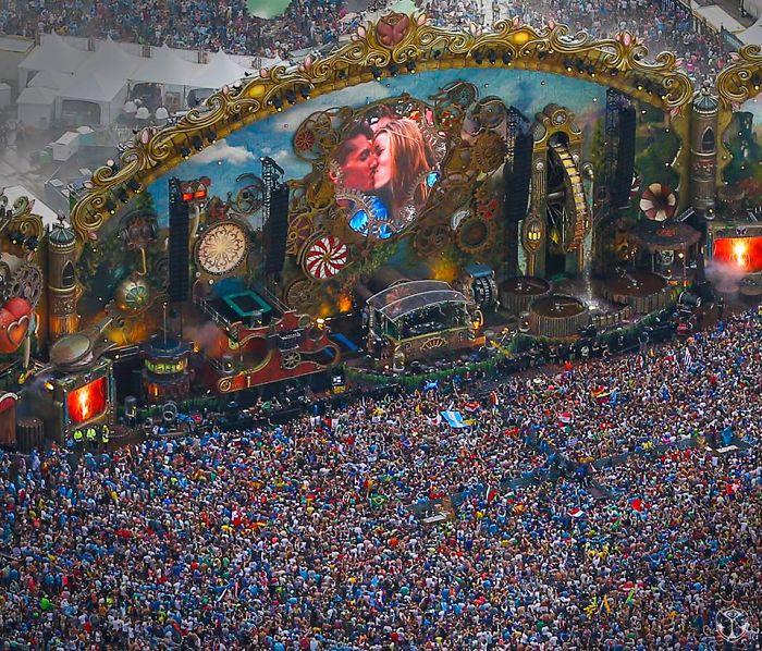 Tomorrowland Edm Festival In Belgium !