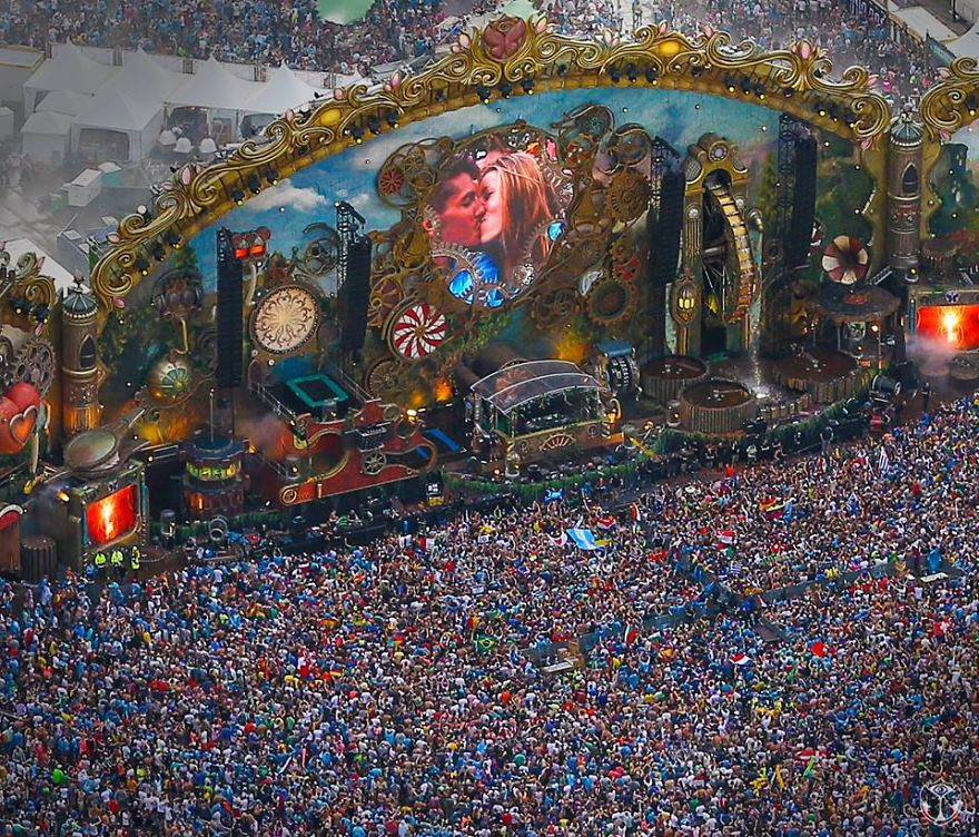 Tomorrowland Edm Festival In Belgium !