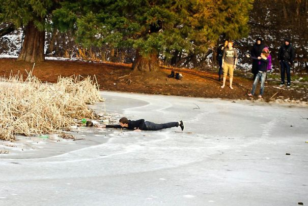 Tenage Boy Rescues A Stray Dog From Drowning In A Frozen Lake (sofia, Bulgaria)