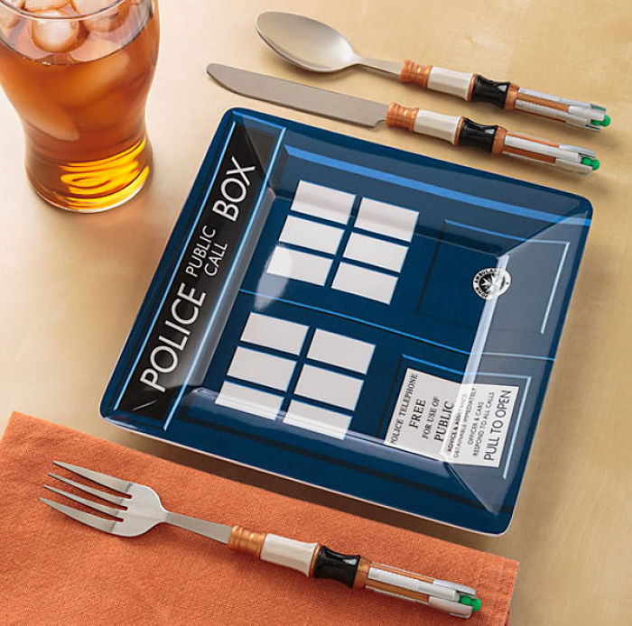 Calling All Whovian Chefs & Doctor Who Lovers! Check Out These Cool Homewares!