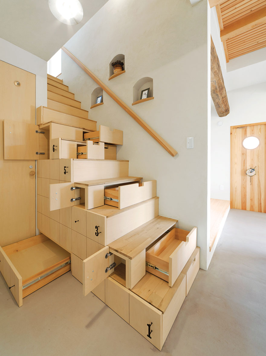 space saving stairs - Homes Interior Design