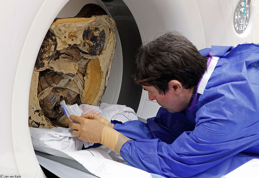 ancient-chinese-buddhist-mummy-inside-statue-ct-scan-liuquan-2