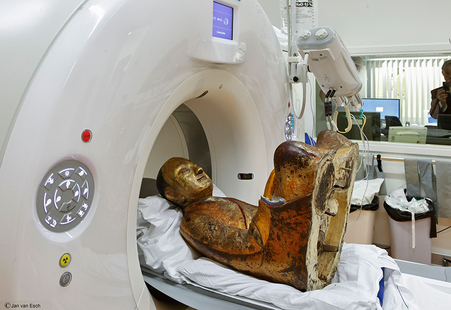 ancient-chinese-buddhist-mummy-inside-statue-ct-scan-liuquan-4