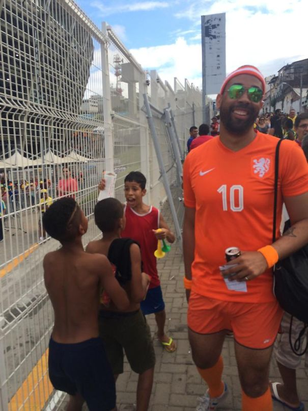 This Man Gave His Two Extra Tickets To The Spain-Holland Game To This Boy Instead Of Selling Them