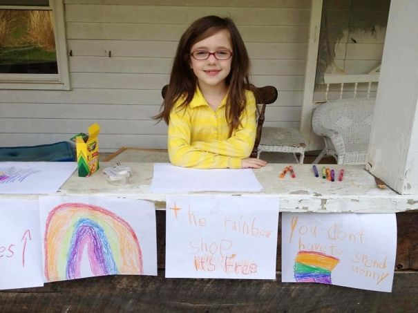 This Girl Draws A Rainbow And Gives It To Everybody Just For The Good Mood