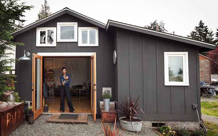 Designer Transformed An Old Garage Into A Cozy Mini House