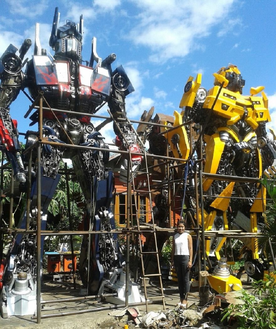 Optimus Prime And Bumblebee Statues, 6m, 20ft, By Scrap Metal Art Thailand