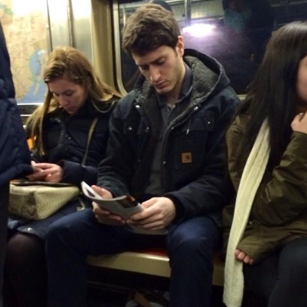 hot-dudes-reading-books-instagram-1