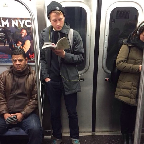 hot-dudes-reading-books-instagram-11
