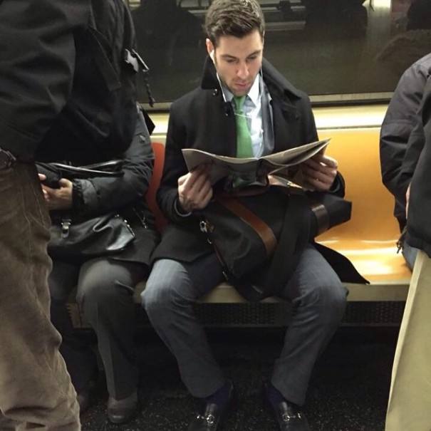 hot-dudes-reading-books-instagram-12