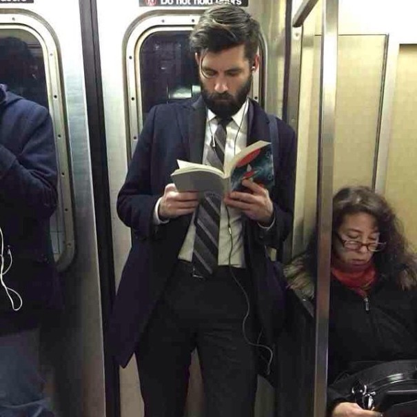 hot-dudes-reading-books-instagram-8