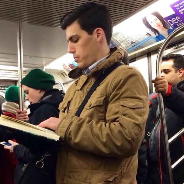 hot-dudes-reading-books-instagram-9