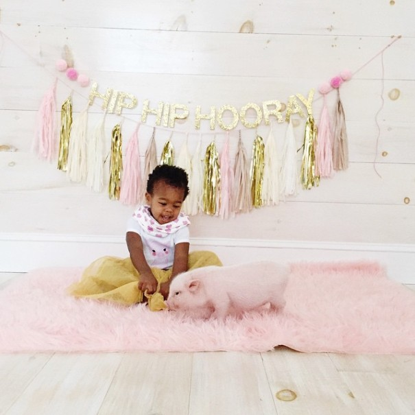 little-girl-piglet-friendship-libby-and-pearl-13