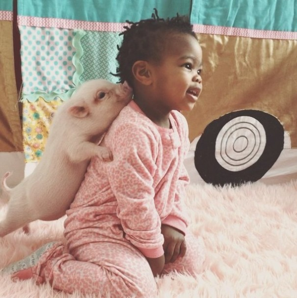 little-girl-piglet-friendship-libby-and-pearl-17