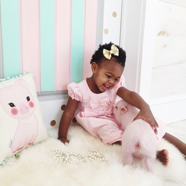 little-girl-piglet-friendship-libby-and-pearl-23