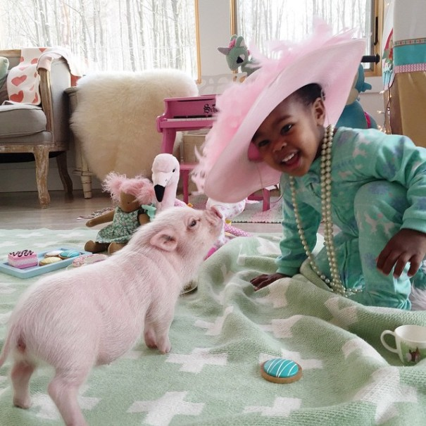 little-girl-piglet-friendship-libby-and-pearl-3