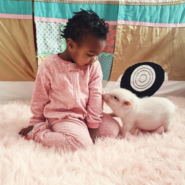 little-girl-piglet-friendship-libby-and-pearl-4