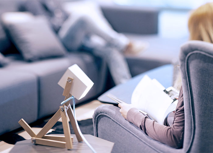Luminose: We Designed A Wooden Table Lamp That Can Flex Like A Dog