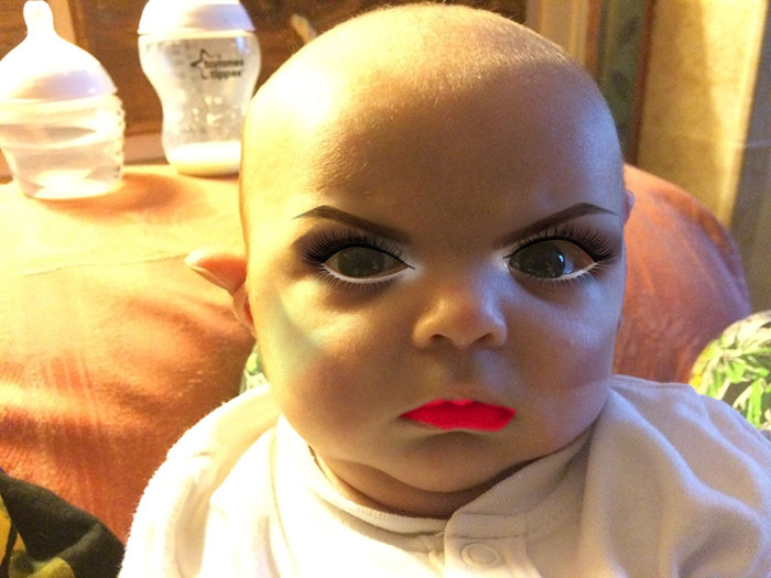 mom-gives-baby-makeup-app-1