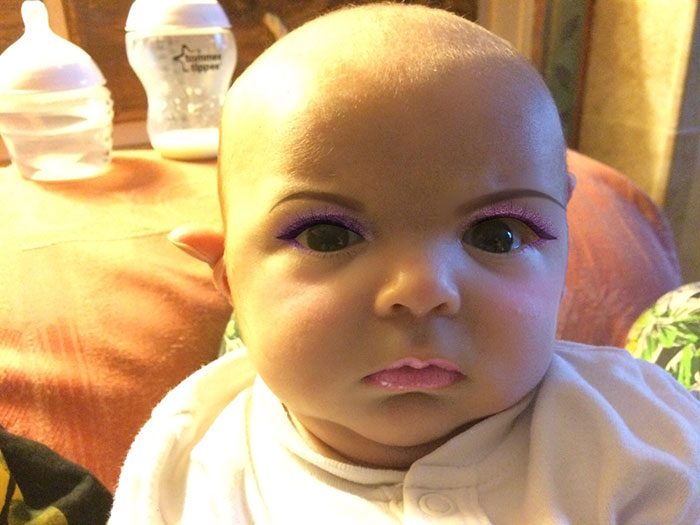 mom-gives-baby-makeup-app-2