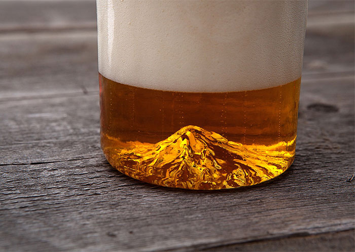 This Hand-Made Mountain Pint Glass Lets You Look At Mt. Hood While You Drink