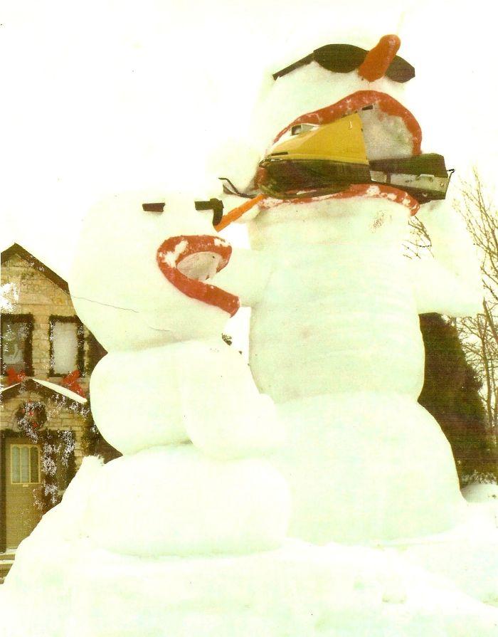 Ski-doo-eating Snowman, Thunder Bay, On