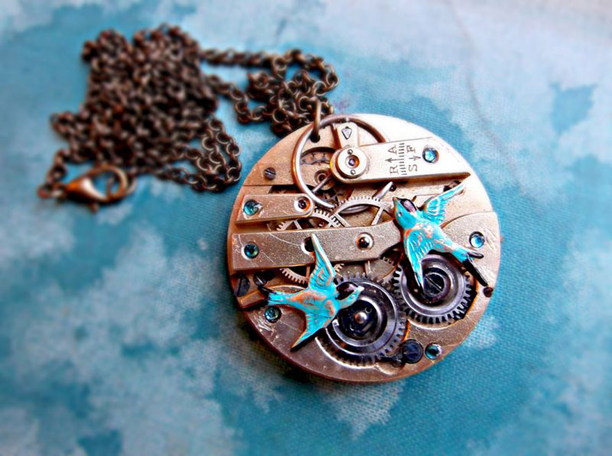 steampunk-necklace-watch-parts-alice-louise-5