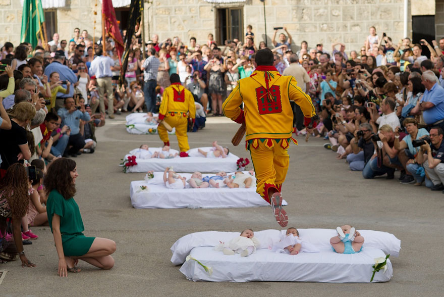 Baby Jumping Fiesta (Spain)