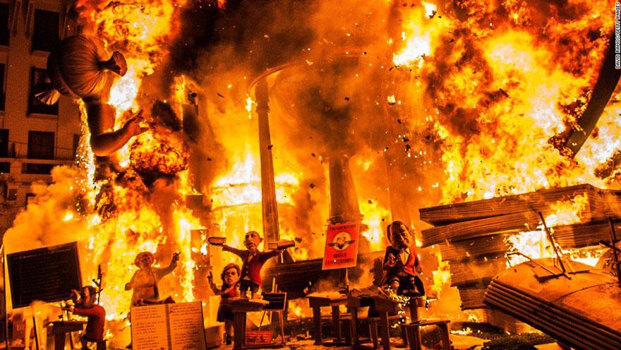Festival de las Fallas Escultura Burning (España)