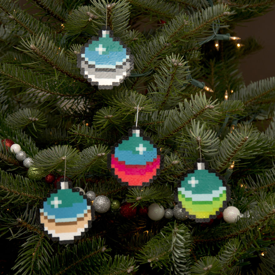 I Create Pixelated Christmas Ornaments For Your Retro