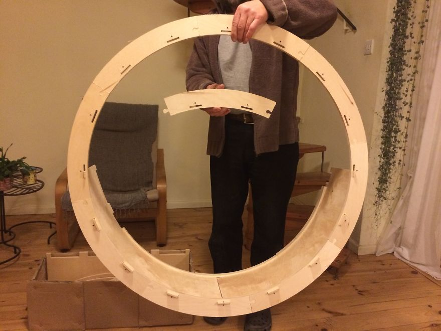 Kuna S Wheel Our Hamster Wheel For Cats Bored Panda
