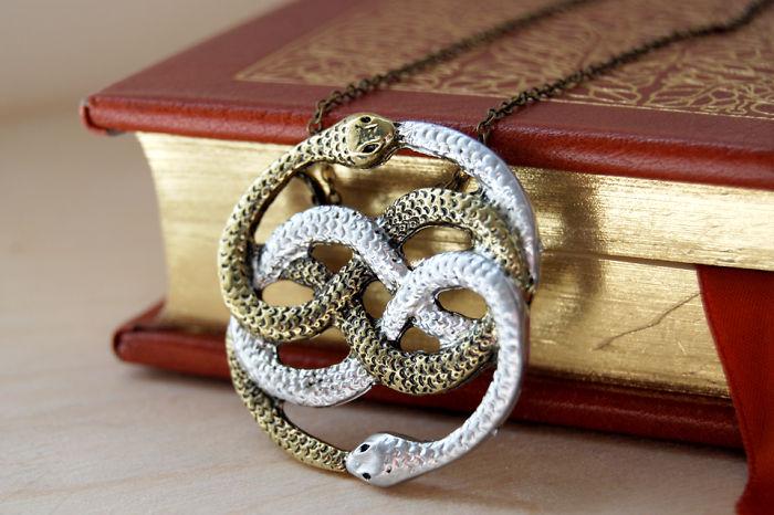 Auryn Necklace