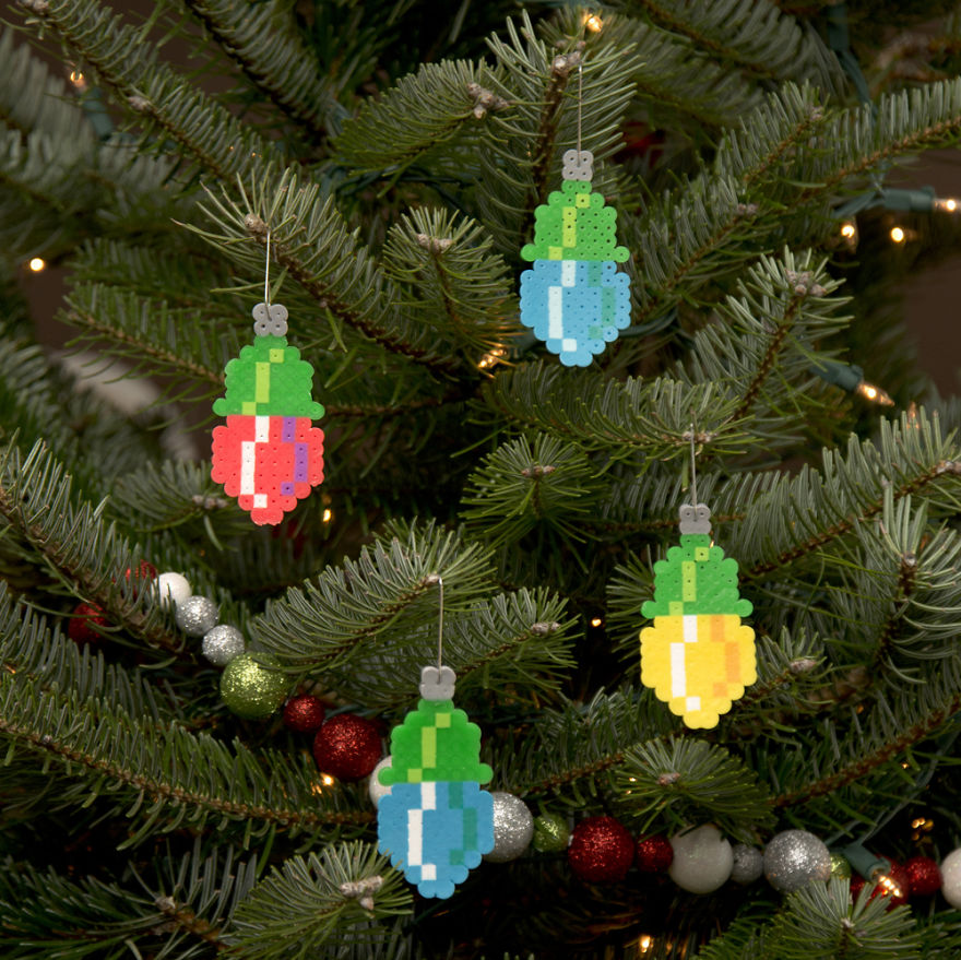 I Create Pixelated Christmas Ornaments For Your Retro ...
