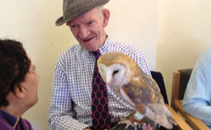 We Bring Giant Snails, Lizards, And Owls To Retirement Homes To Brighten Elderly People's Lives